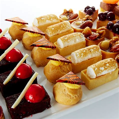 dessert canapes dessert canapés devour it catering