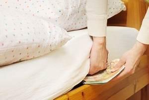 Federkern Oder Kaltschaum Matratze : matratzen probeliegen so testen sie matratzen richtig ~ Orissabook.com Haus und Dekorationen