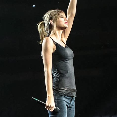 Taylor Swift's Red Tour Rehearsal—See Pics! - E! Online