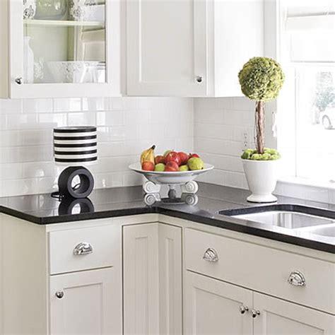 backsplash with white cabinets white kitchen subway tile backsplash zyouhoukan net