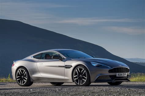 2015 aston martin vanquish carbon edition wallpapers9