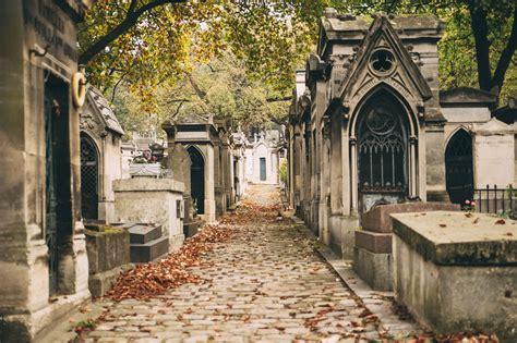 pere la chaise pere lachaise cemetery tour city wonders