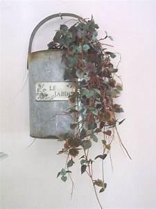 Pot A Accrocher : vieux volet pour accrocher vos fleurs ou petit pot pour les suspendre papou ponce mamou ~ Teatrodelosmanantiales.com Idées de Décoration