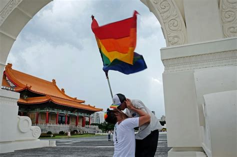 Taiwan Same Sex Couples To Join Military Wedding For First