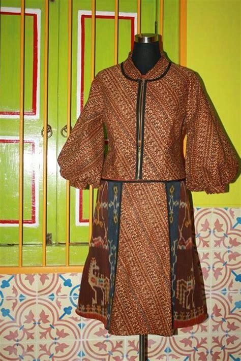 dress tenun sumba batik lawas accessories