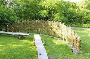 Sichtschutz Garten Selber Bauen : sichtschutz selber bauen 5 diys aus naturmaterial k02 flechten mit weide garten ~ Orissabook.com Haus und Dekorationen