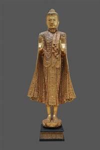 Buddha Figur Groß : thai buddha figur gro stehender holz buddha thailand ~ Michelbontemps.com Haus und Dekorationen