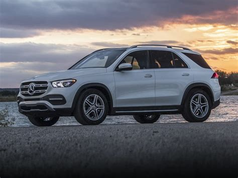 To put this into perspective, a normal tree absorbs about 21,000 grams of co2 per year, so about 336 trees would offset these emissions. 2020 Mercedes-Benz GLE 580 Price Quote, Buy a 2020 Mercedes-Benz GLE 580 | Autobytel.com
