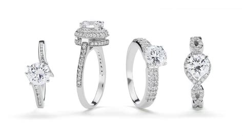 what is the average size in engagement rings