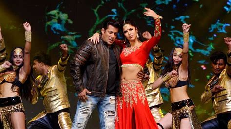 katrina kaif  salman khan blockbuster dance performance