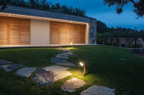 Illuminazione Per Esterni Giardino Mini Guida All Illuminazione A Led Per Il Giardino