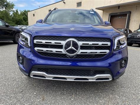 With its striking suv design and all the comfort highligh. 2020 Mercedes-Benz GLB 250 4MATIC SUV | Galaxy Blue Metallic 20-2238