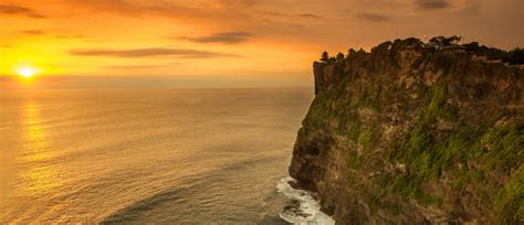 natural cultural wonders  indonesia vacation borneo