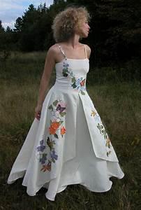 hempsilks bride tubezzz porn photos With color embroidered wedding dress