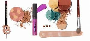 MAKEUP - Vera Moore Cosmetics