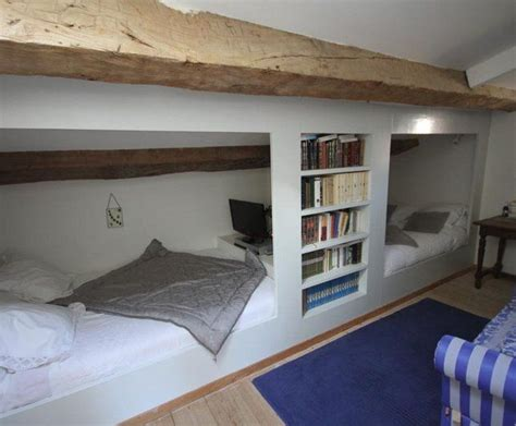 chambre dans les combles photos photo deco grenier combles blanc antiquaire maison de