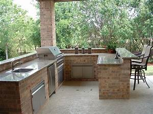 Planning and Installing an Outdoor Kitchen Modlich