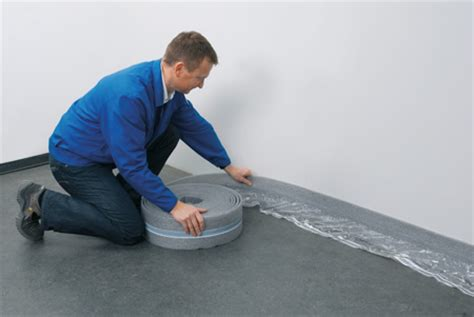 fußbodenheizung verlegen tackersystem randd 228 mmstreifen bei fu 223 bodenheizungen schallbr 252 cken verhindern
