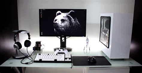 White And Black Simplistic Single Monitor Setup