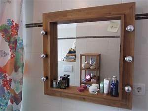 Ikea Spiegel Mit Glühbirnen : badezimmer spiegel mit holzrahmen und ~ Michelbontemps.com Haus und Dekorationen