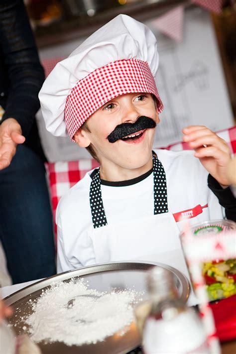 chef pizza party evite