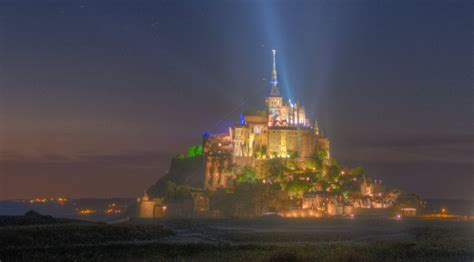 hdr of mont michel from a distance at in pixels