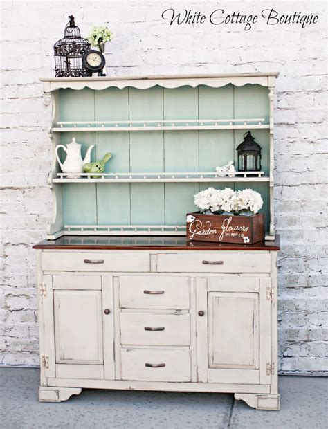painted kitchen hutches 25 best ideas about painted hutch on hutch