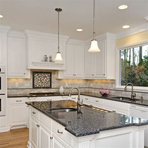 The Advantages Of Choosing Blue Pearl Granite Countertops