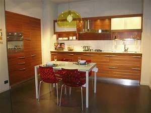 Outlet cucine una cucina snaidero in offerta a prezzo d for Cucina snaidero time