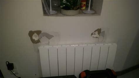 fixer une cuisine sur du placo fixer radiateur sur mur placo polystyrène dégradé