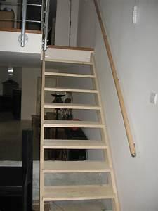 Peinture Argentée Pour Bois : peindre un escalier en pin brut ~ Teatrodelosmanantiales.com Idées de Décoration