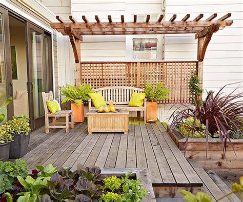Garden Solutions by 11 Simple Solutions For Small Space Landscapes Better