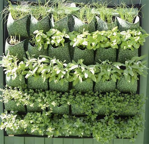 vasi per orto in terrazzo orto verticale giardino in terrazzo come realizzare un