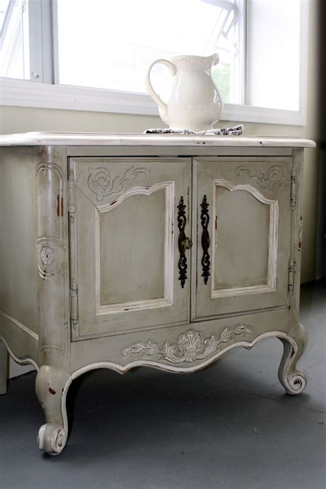 shabby chic finish for painted furniture vintage painted french country fun recipes side table chalk paint painted furniture