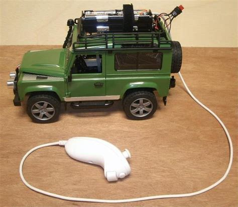 toy range rover land rover defender toy with arduino controller