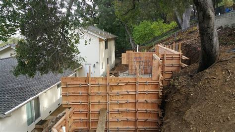 building a concrete retaining wall how to build a concrete retaining wall all access 510 701 4400 youtube