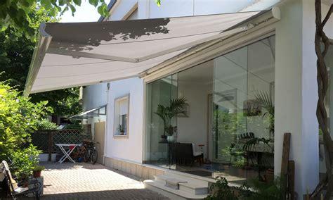 Tende Da Sole Rimini Tenda A Bracci In Giardino Raggini Arredo Tessile
