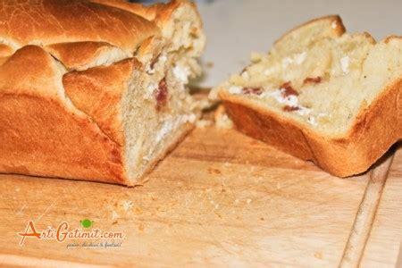 Bukë e mbushur me djathë e salçiçe | Arti Gatimit