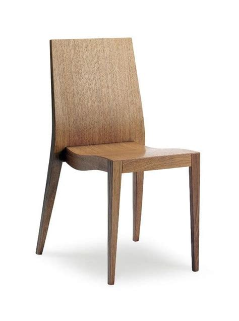 dining chair in wood durable and comfortable for hotel