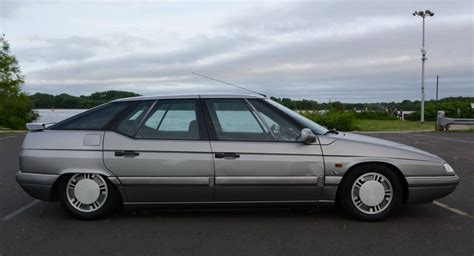 Citroen Xm by Want The Swankiest 1990s Car There S A Citroen Xm
