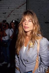 Linda Hamilton Photo Gallery 18 Best Linda Hamilton Pics