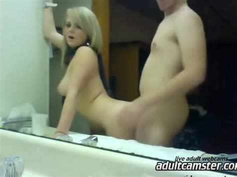 Hot Blonde With Nice Ass Fucked By Dude In Homemade Video