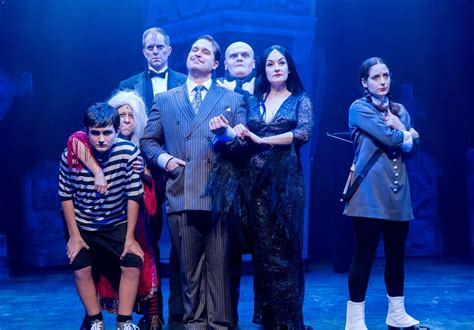 review  addams family   mercury theater chicago