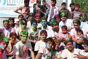 Holi: Spreading Colours of Happiness - PakVoices