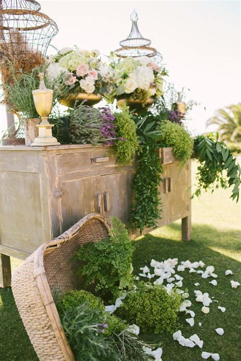 ideas   rustic outdoor wedding deer