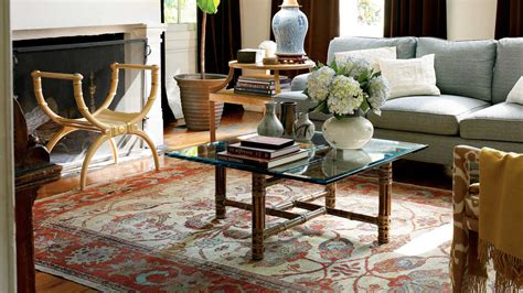 mix modern  traditional  living room decorating
