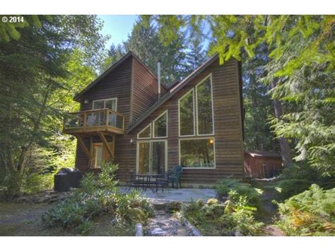 Homes For Sale Near Oregon Coast Haskins Christmas Decorations The Grinch Outdoor To Colour In White Tree Pictures Owl Premier Uk Fireplace Decor For Brown Decorated