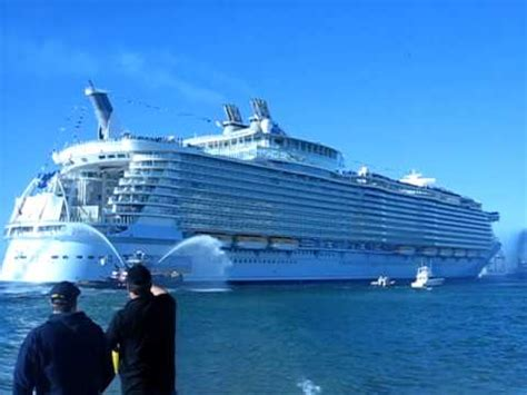 Worldu0026#39;s Largest Cruise Ship Oasis Of The Seau0026#39;s Arrives At Port Everglades Florida - YouTube