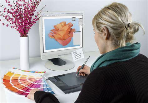 earn  associates degree  graphic design