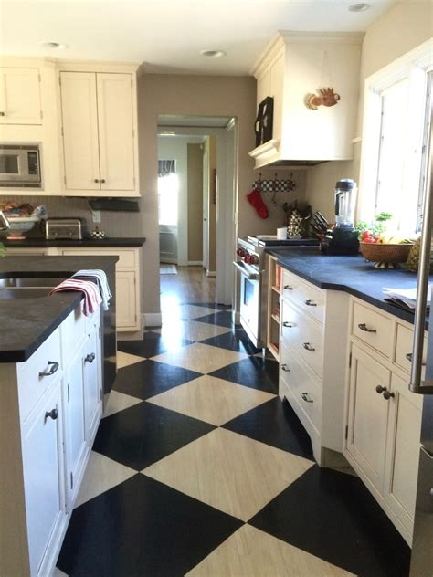 farmhouse kitchen floor ideas how to paint a farmhouse black and white painted checkered 7152